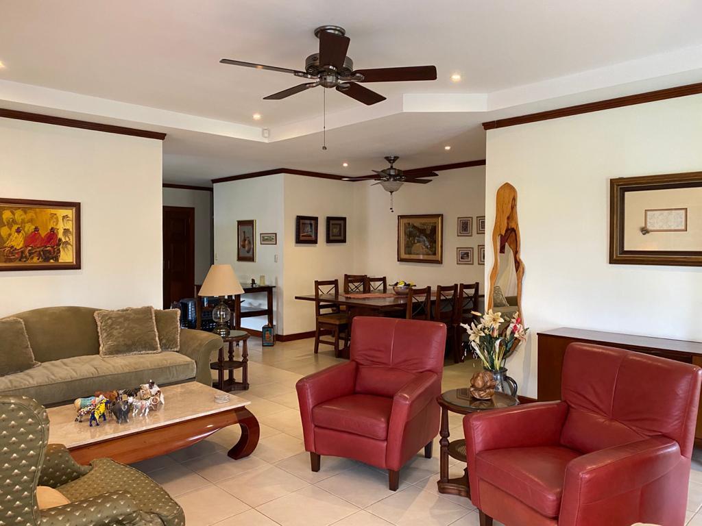 Foto Casa en condominio en Venta en  Guacima,  Alajuela  Hermosa casa de un nivel 4 Habitaciones/ Impecable/ Seguridad/Golf/ Polo/ Tranquilidad