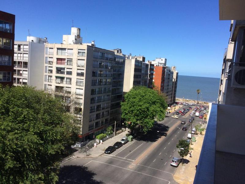 Foto Departamento en Venta en  Pocitos ,  Montevideo  Amplia planta, tres dorm y servicio, tres garajes