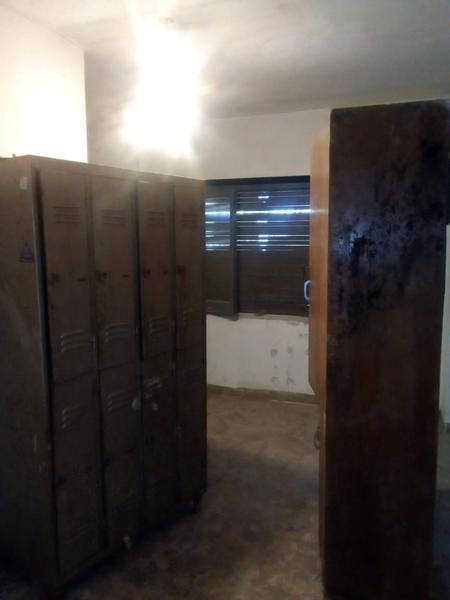 Foto Local en Alquiler en  La Plata,  La Plata  120 y 33