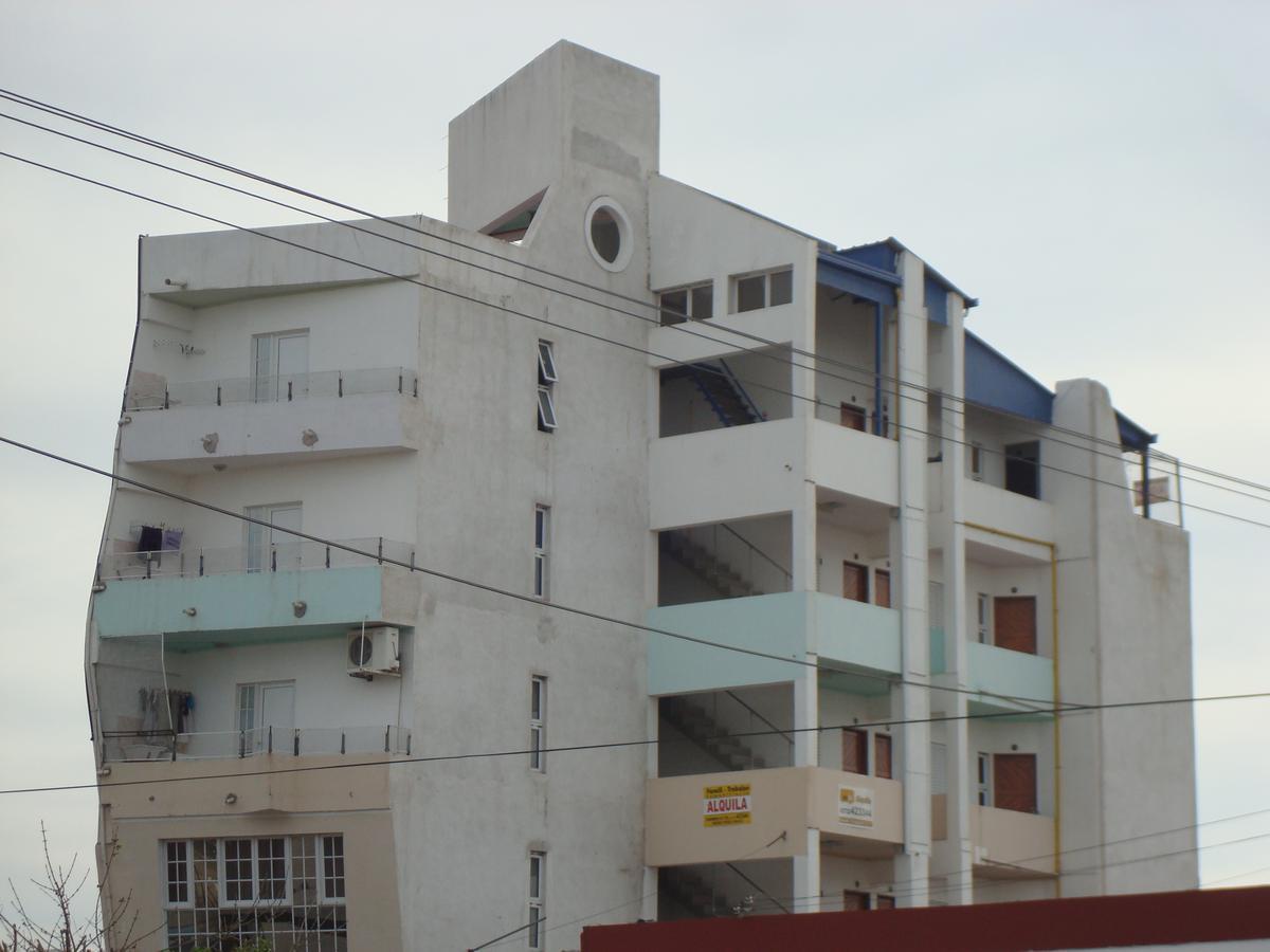 Foto Departamento en Alquiler en  Ensanche Sur,  Presidencia Roque Saenz Peña  J. J Paso al 200