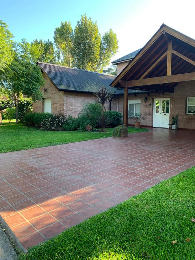 Foto Casa en Alquiler en  El Casco De Moreno,  Countries/B.Cerrado (Moreno)  Propiedad en ALQUILER en El Casco de Moreno