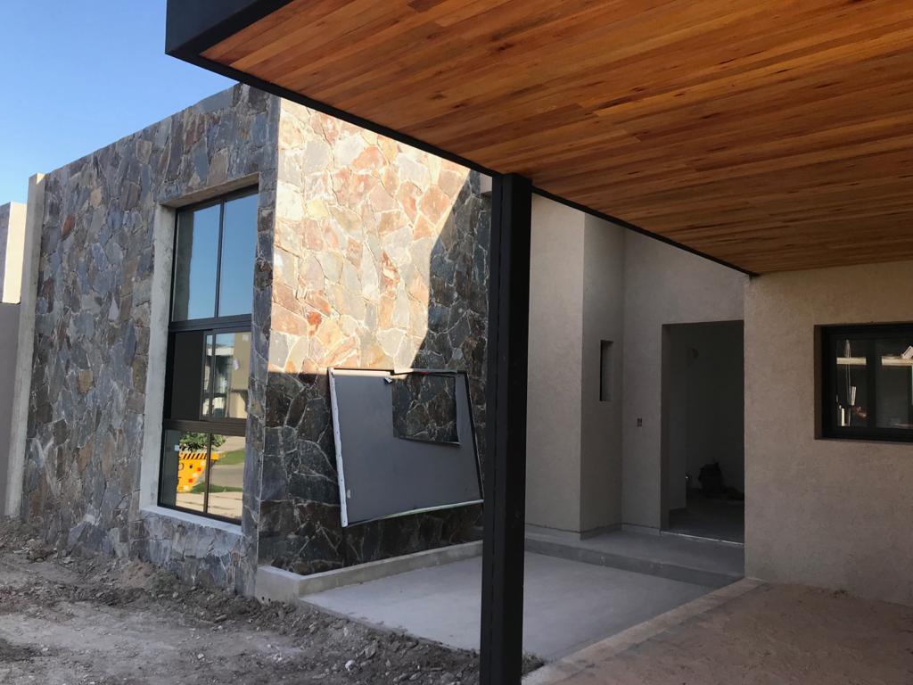 Foto Casa en Venta en  Santina Norte,  Cordoba Capital  Casa Santina Norte