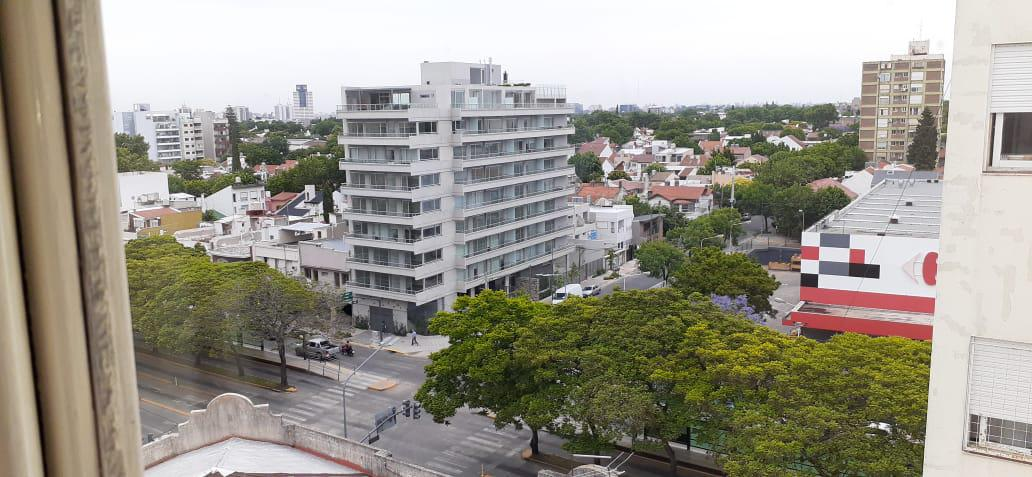 Foto Edificio Comercial en Alquiler en  Barrio Vicente López,  Vicente López  Av. Maipú al 900