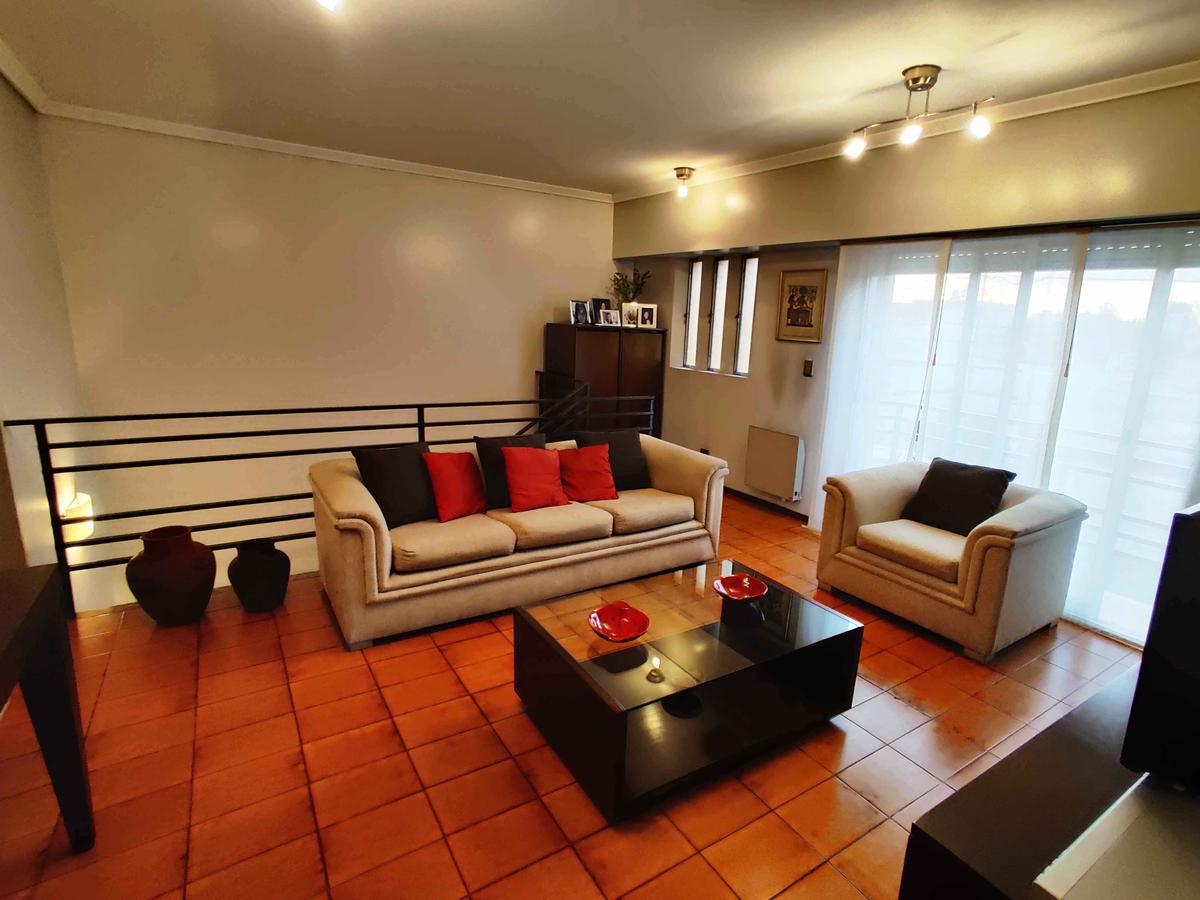 Foto PH en Venta en  Villa Lynch,  General San Martin  Espora 4712