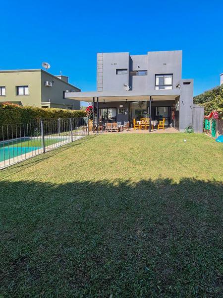 Foto Casa en Venta en  Yerba Buena ,  Tucumán  Country Cerro Azul