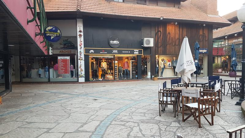 Local - Centro: LOCAL CENTRO COMERCIAL CON VIVIENDA