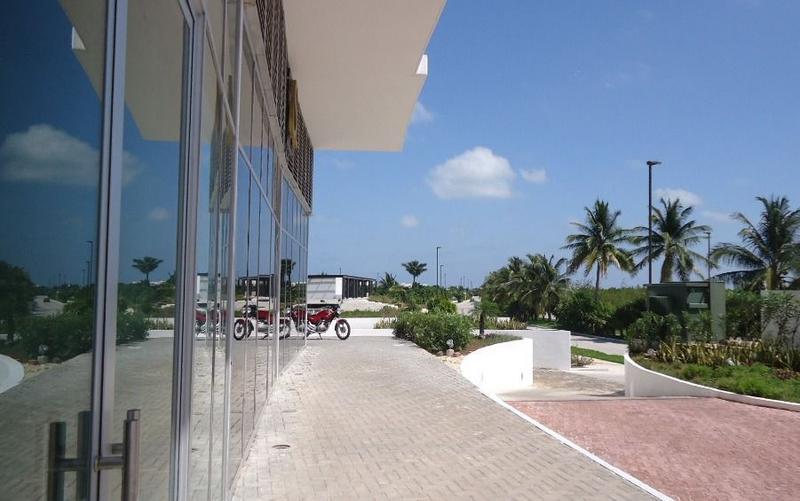 Foto Local en Venta en  Benito Juárez ,  Quintana Roo  En venta local comercial en Diomeda, dentro de Puerto Cancún