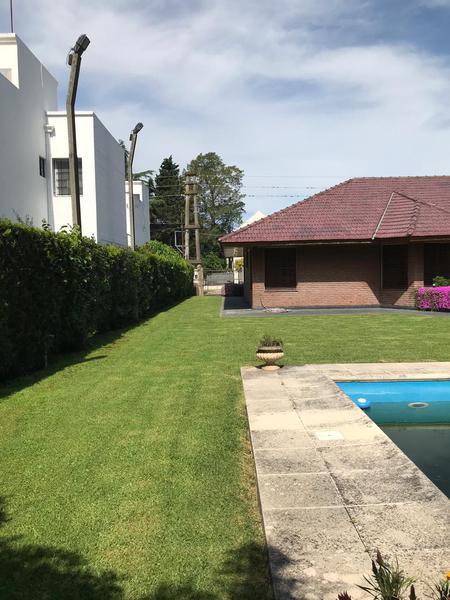 Foto Casa en Venta en  Manuel B Gonnet,  La Plata  489 entre 14bis y 15