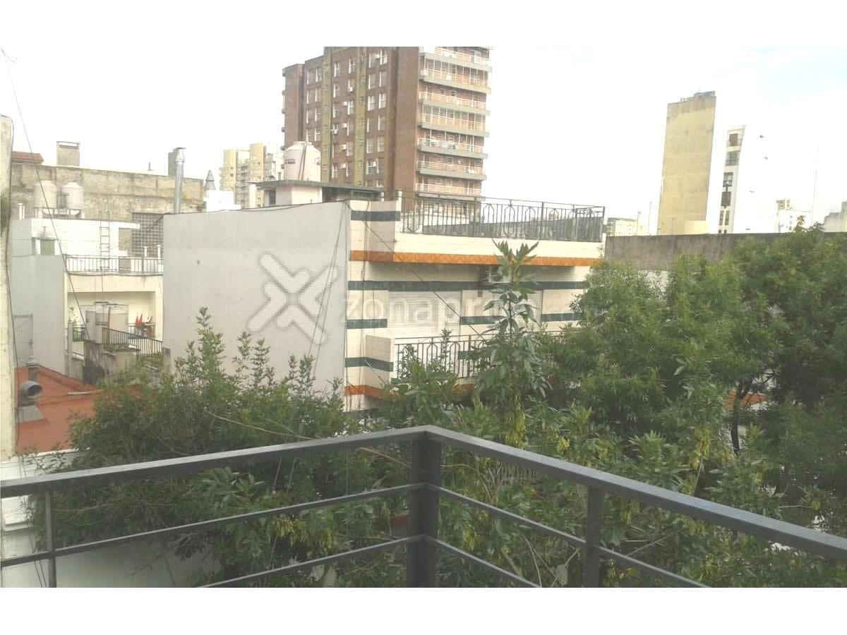 Foto Departamento en Venta en  Balvanera ,  Capital Federal  La Rioja al 400