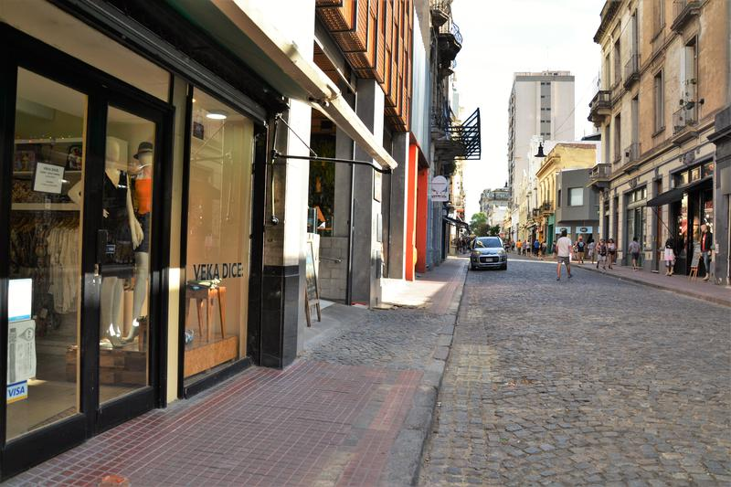 Foto Local en Venta en  San Telmo ,  Capital Federal  Defensa al 800