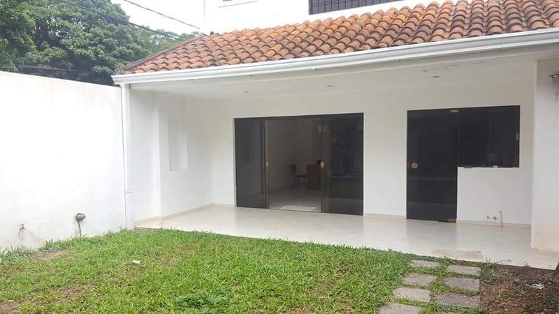 Foto Casa en Alquiler en  Mcal. Estigambia,  La Recoleta  Zona Paseo Boggiani