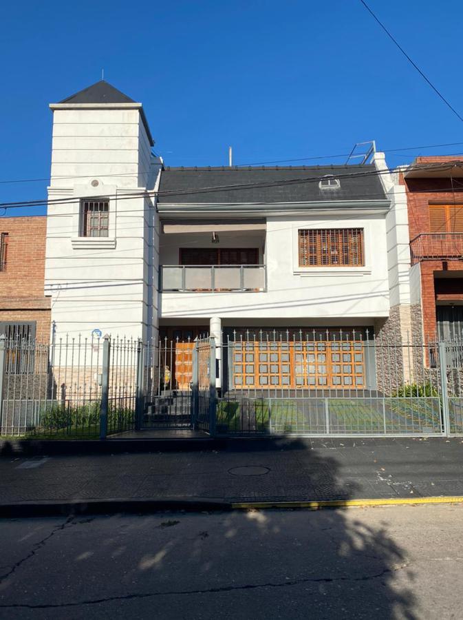 Foto Casa en Venta |  en  Maipú Seccion 2,  Cordoba Capital  Maipú 2da * Impecable Casa 4dorm * Patio * Pileta * Quincho