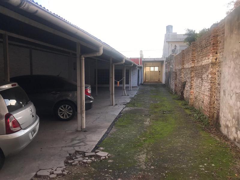 Foto Local en Venta en  Lomas de Zamora Oeste,  Lomas De Zamora  Santa Fe 133