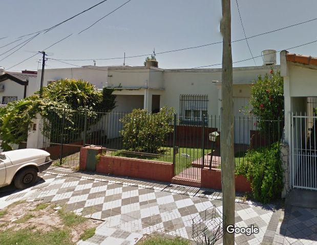 Foto Casa en Venta en  Monte Grande,  Esteban Echeverria  Carlos Pellegrini al 600