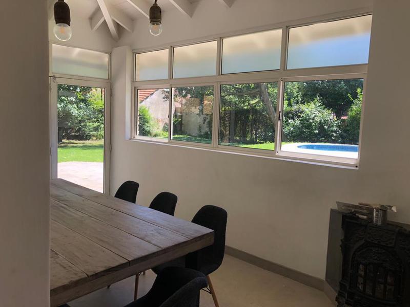 Foto Casa en Venta en  Los Rosales,  Countries/B.Cerrado (Ezeiza)  Venta con renta - Casa en Los Rosales - Excelente oportunidad