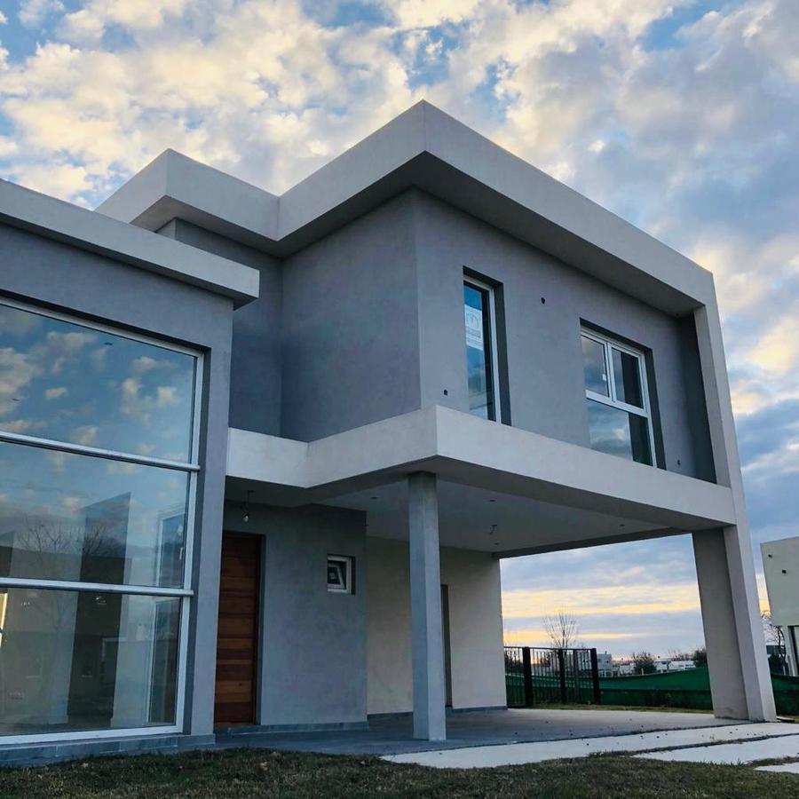 Foto Casa en Venta en  El Trebol,  Haras Santa Maria  Casa de 4 ambientes
