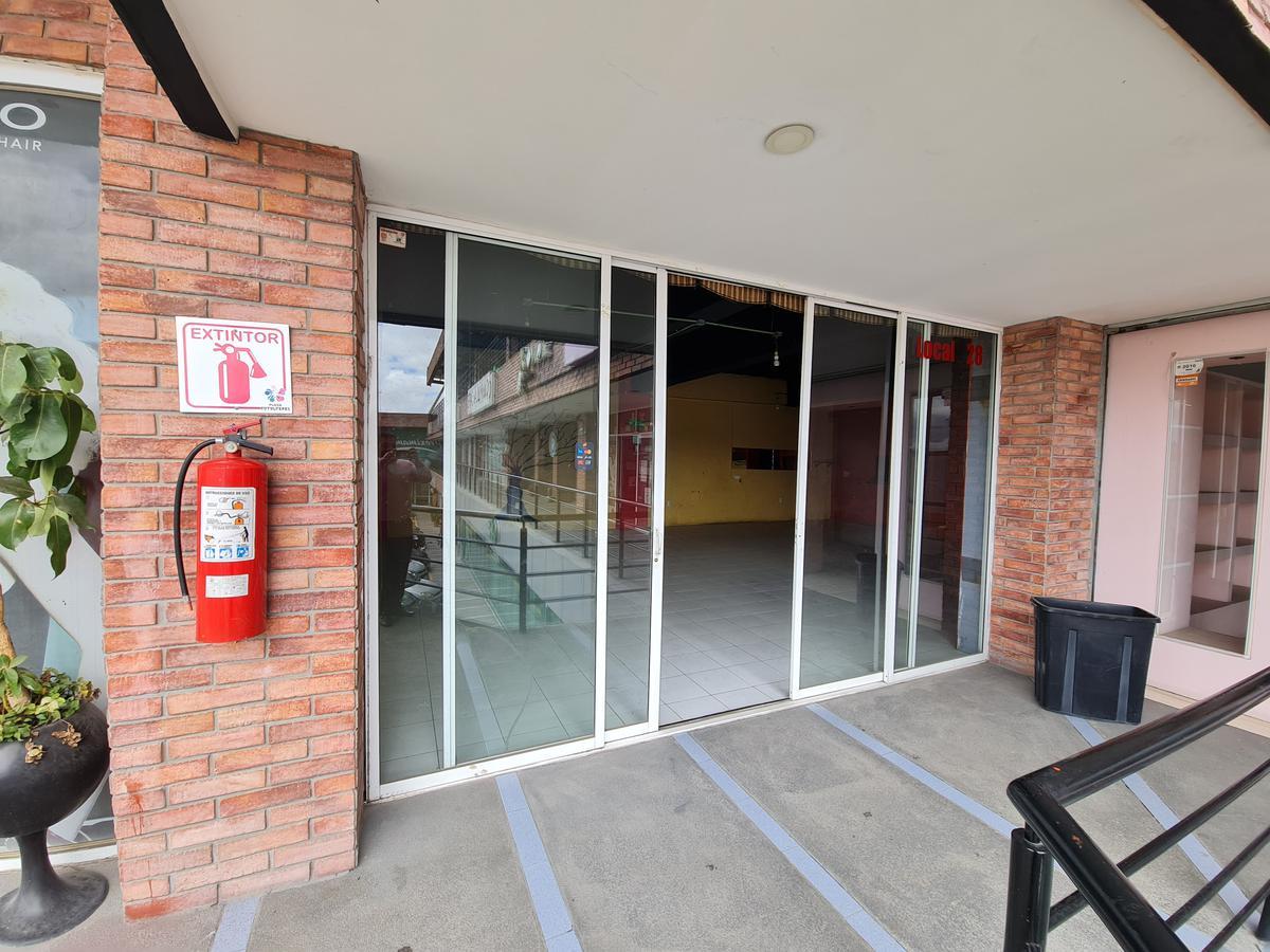 Foto Local en Renta en  San Pedro Totoltepec,  Toluca  Local en Renta para Cafeteria o Restaurante en Plaza Totoltepec