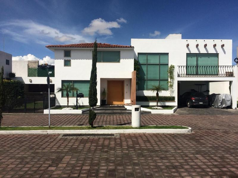 Foto Casa en condominio en Venta en  Bellavista,  Metepec  DIVINA CASA EN VENTA, Residencial El Silencio, Metepec.