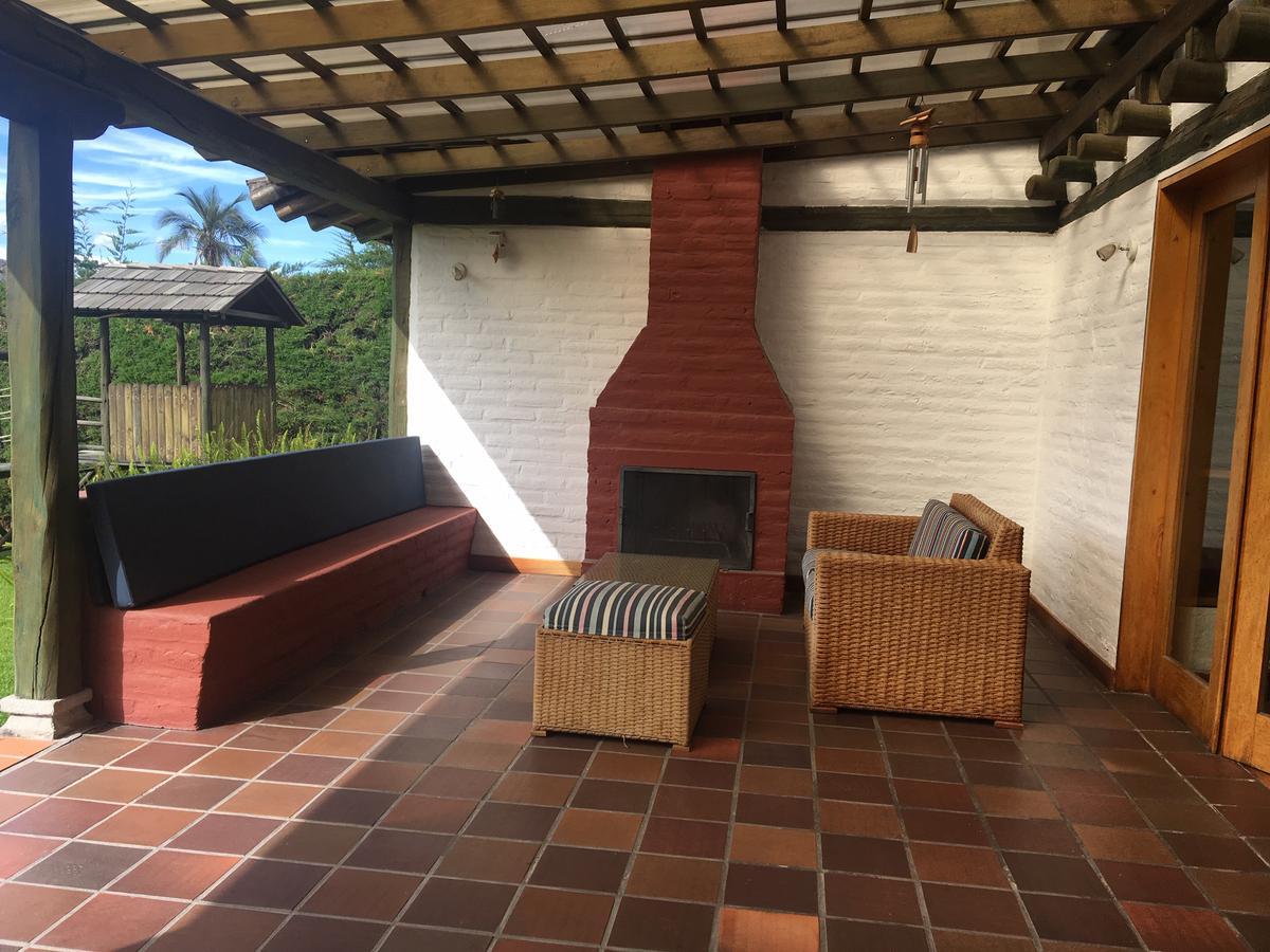 Foto Casa en Alquiler en  Cumbayá,  Quito  CUMBAYA SE RENTA CASA AMOBLADA O SIN MUEBLES 4 DORMITORIOS