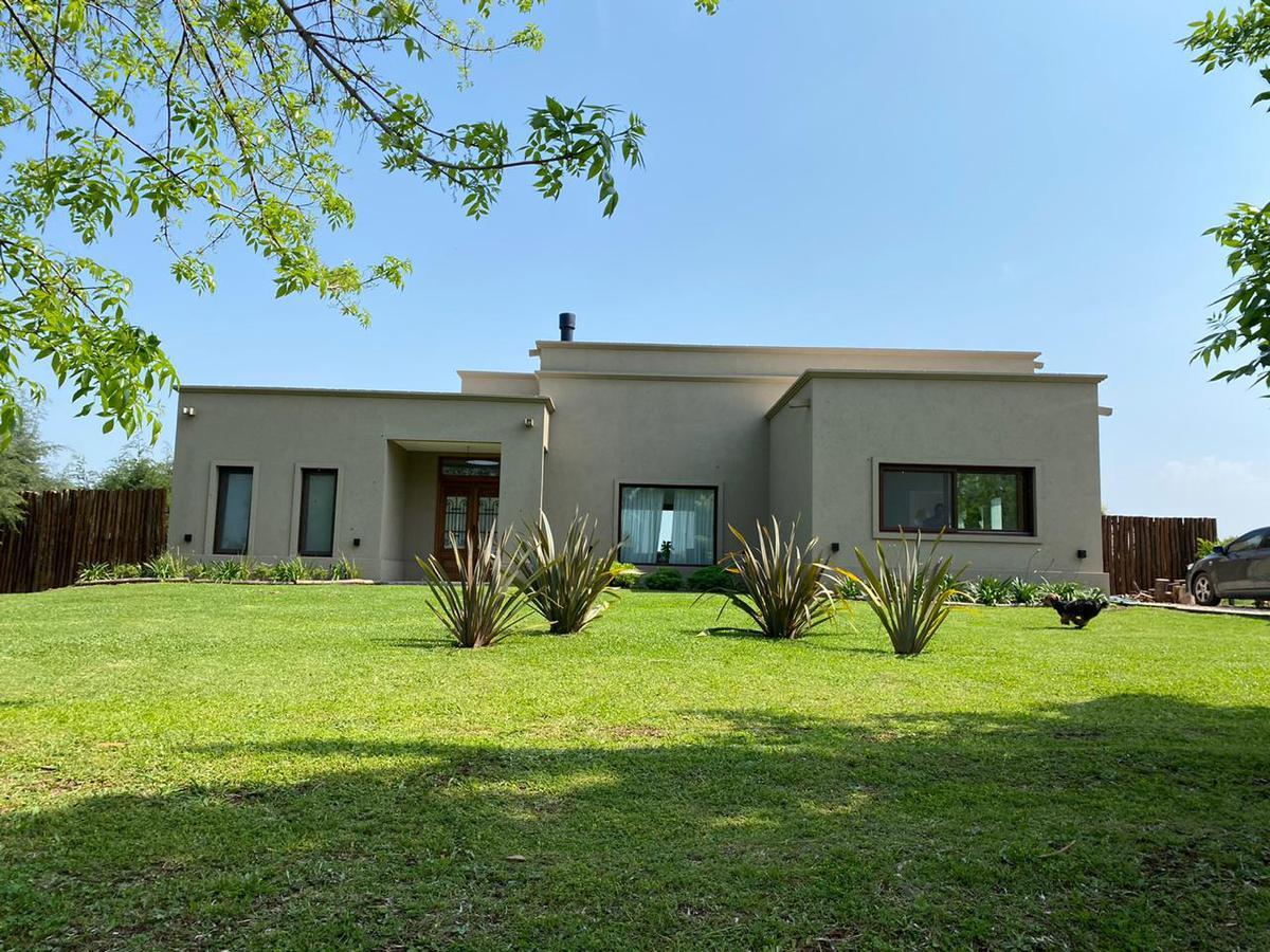 Foto Casa en Alquiler en  Countries/B.Cerrado (Campana),  Campana  Hermosa casa de diseño 4 dorm en Chacras de la reserva