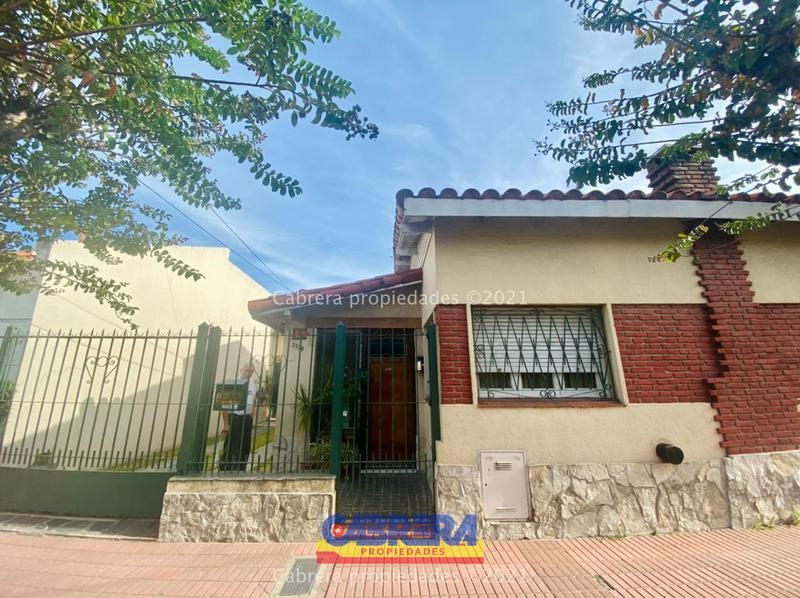 Foto Casa en Venta en  Remedios De Escalada,  Lanús  Achaval 2329