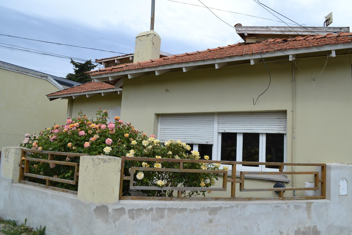 Foto Casa en Alquiler en  Esquel,  Futaleufu  Roque Saenz Peña al 800