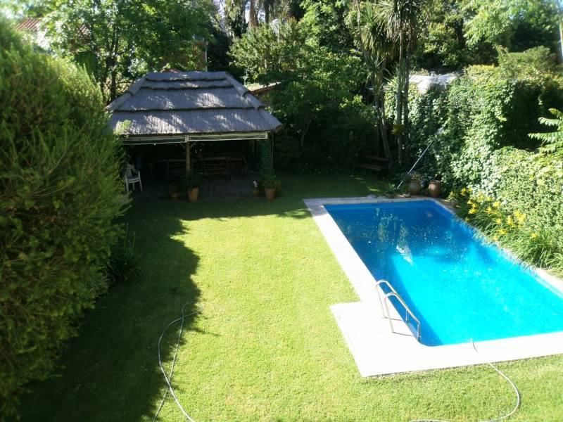 Foto Casa en Venta en  S.Isi.-Vias/Libert.,  San Isidro  Chile al 300