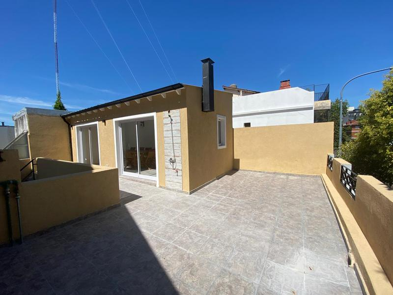 Foto PH en Venta en  Liniers ,  Capital Federal  Acassuso al 5900, PH 3 amb, con quincho y terraza. A estrenar.