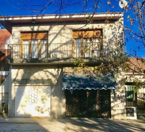 Foto Casa en Alquiler en  Jose Marmol,  Almirante Brown  Mitre al 2400
