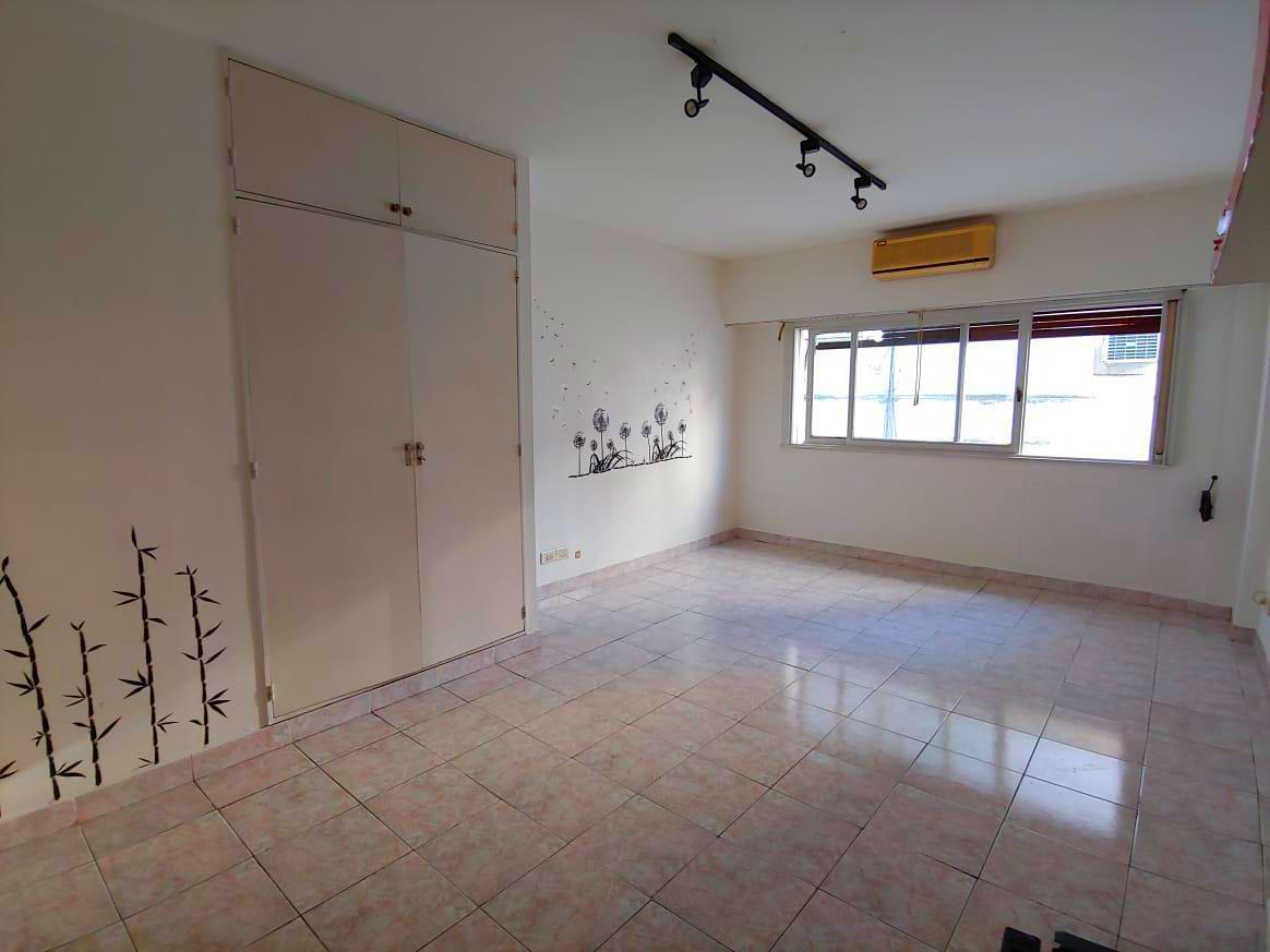 Foto Departamento en Alquiler en  Retiro,  Centro  Suipacha al 1100