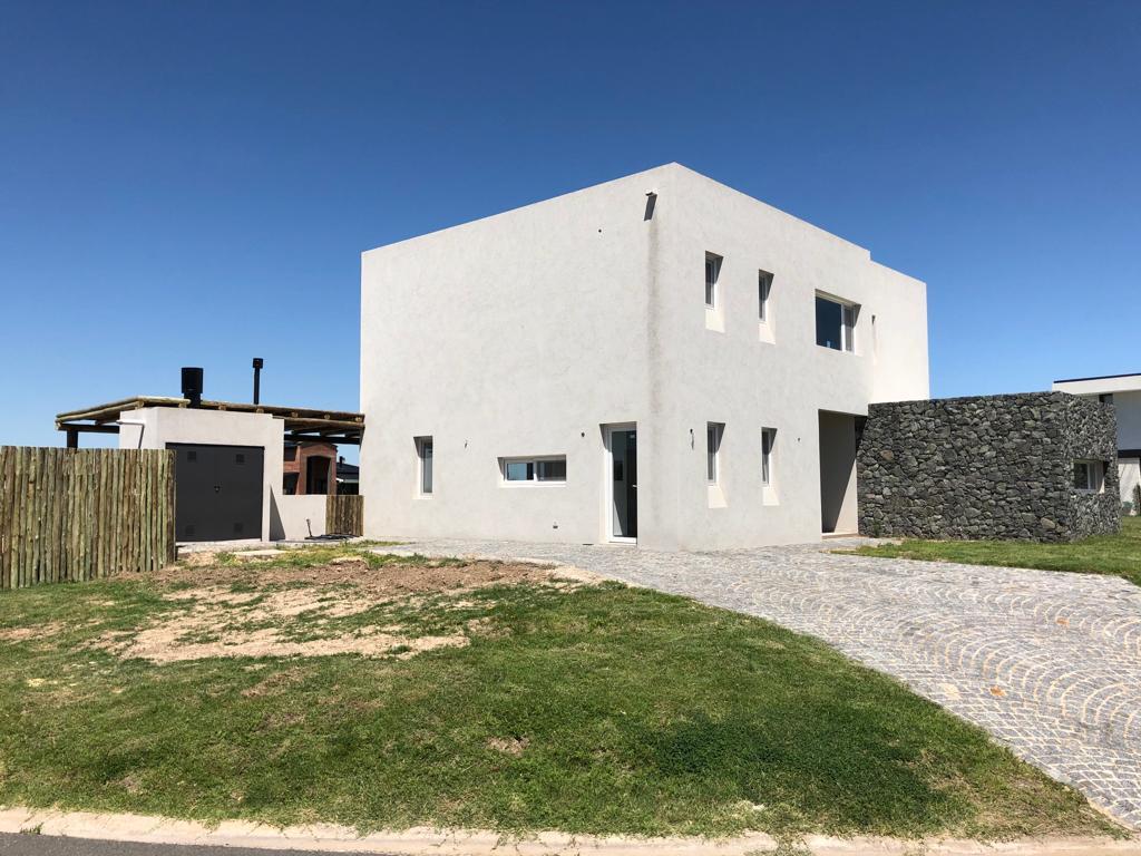 Foto Casa en Venta en  El Canton,  Countries/B.Cerrado (Escobar)          Barrio Islas al 100