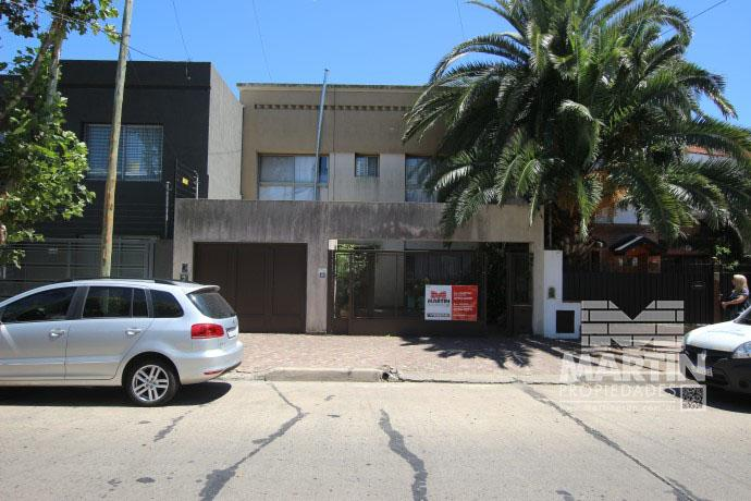 Foto Casa en Venta |  en  Mart.-Santa Fe/Fleming,  Martinez  CORDOBA al 600