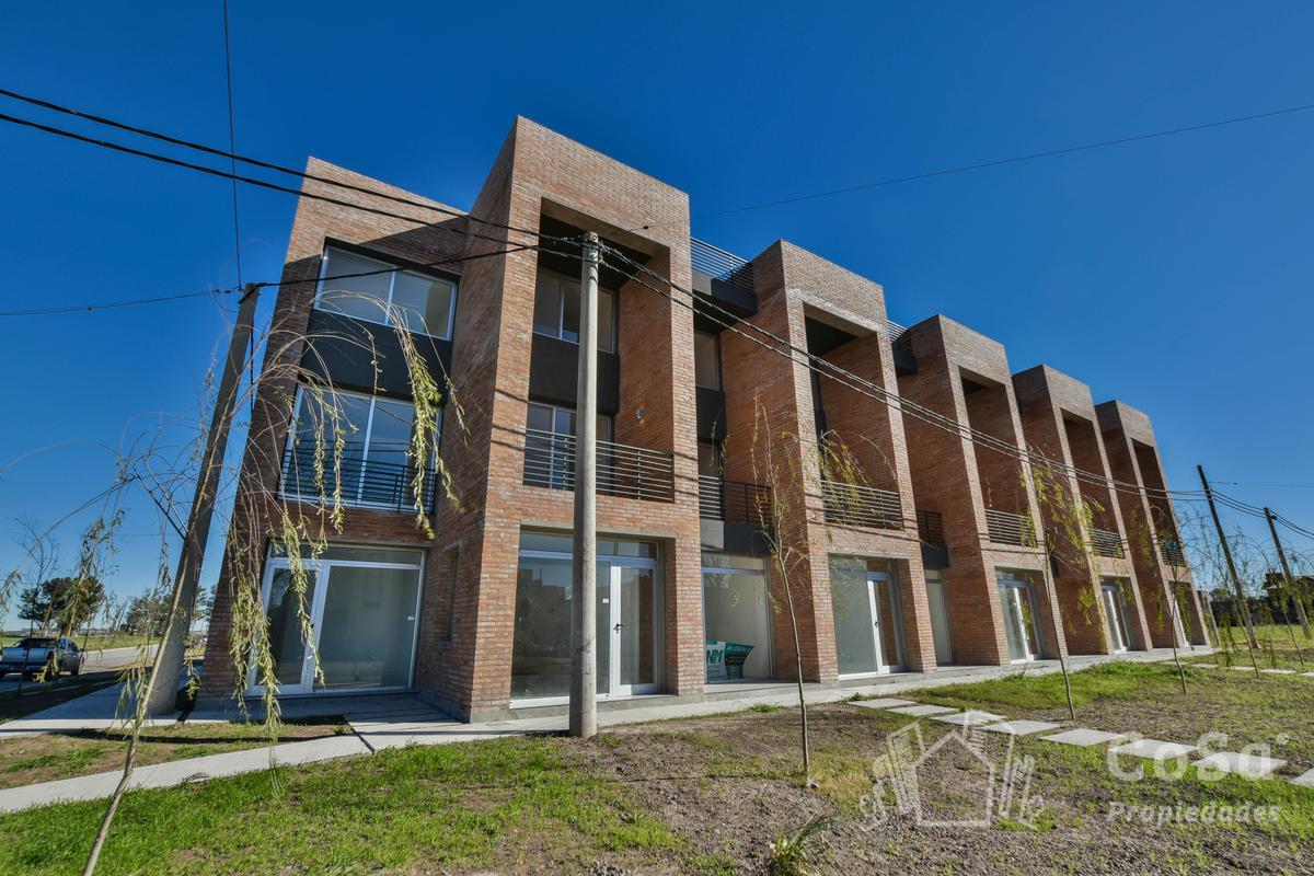 Foto Local en Venta en  Rosario ,  Santa Fe  Alippi 9200 - Condo Duplex