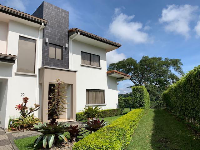 Foto Casa en condominio en Venta en  Santana,  Santa Ana  Lujosa/ Moderna/ Vista/ 5 habitaciones/ Espaciosa/ Iluminada