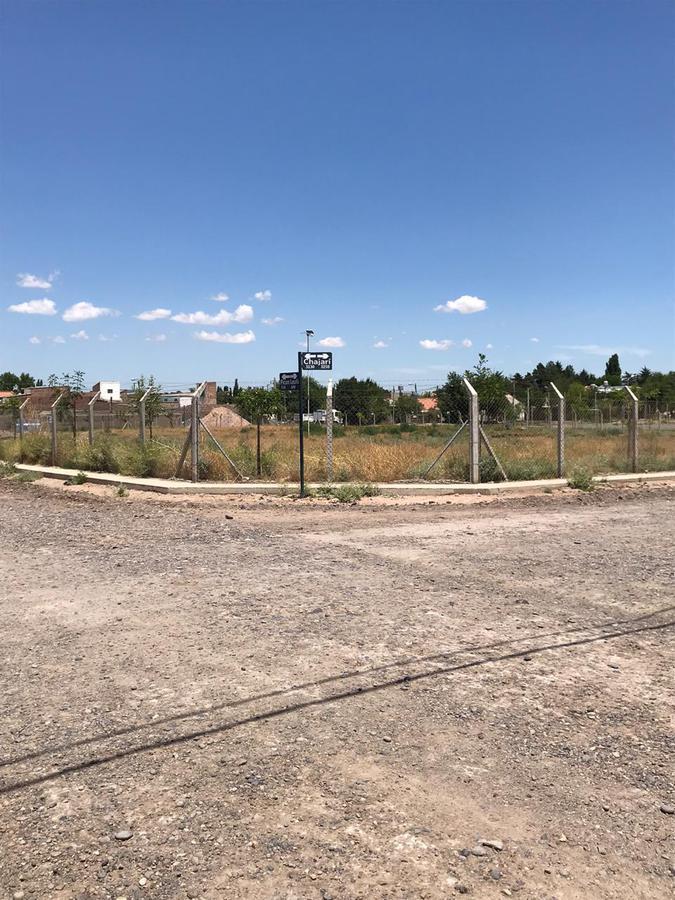 Foto Terreno en Venta en  Huilliches,  Capital  VENTA Terreno 120m2 -  Con Proyecto aprobado - Bº Huiliches   - Neuquén Capital