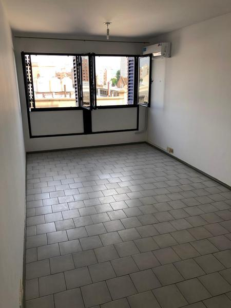 Foto Departamento en Alquiler en  Alberdi,  Cordoba  corro al 200