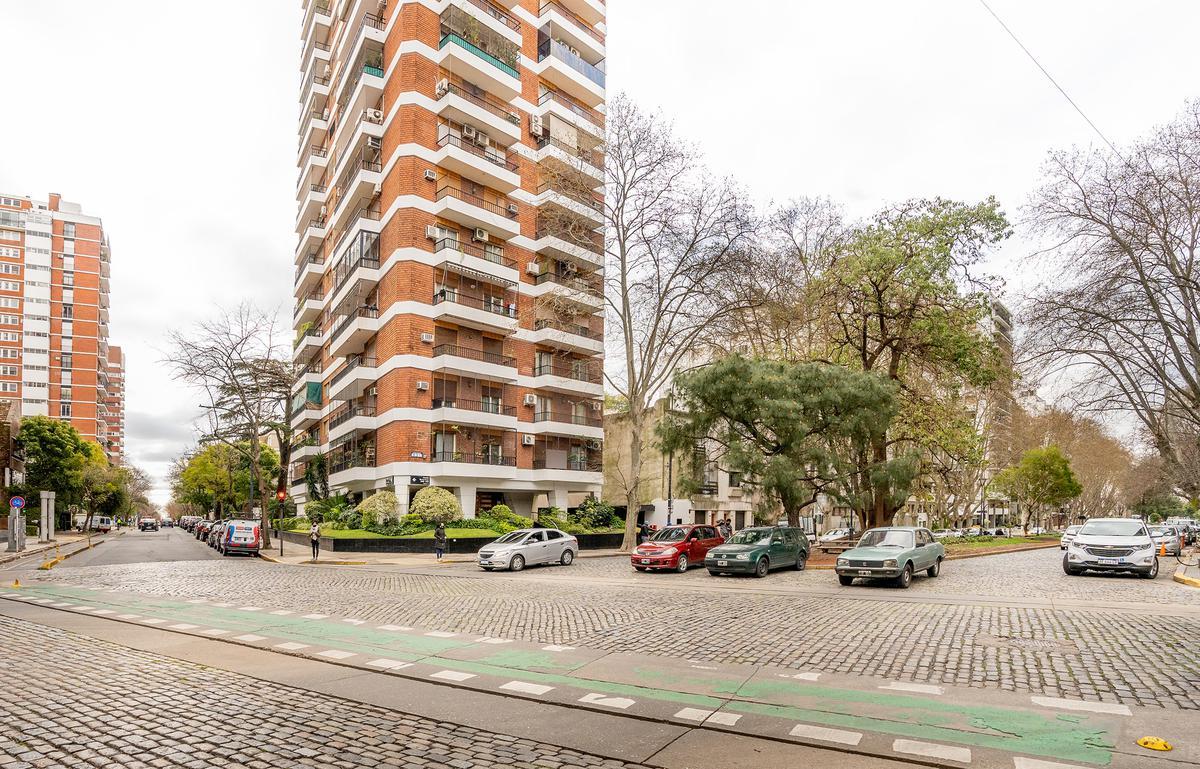 Foto Departamento en Venta en  Belgrano R,  Belgrano  Av. de Los Incas al 3300