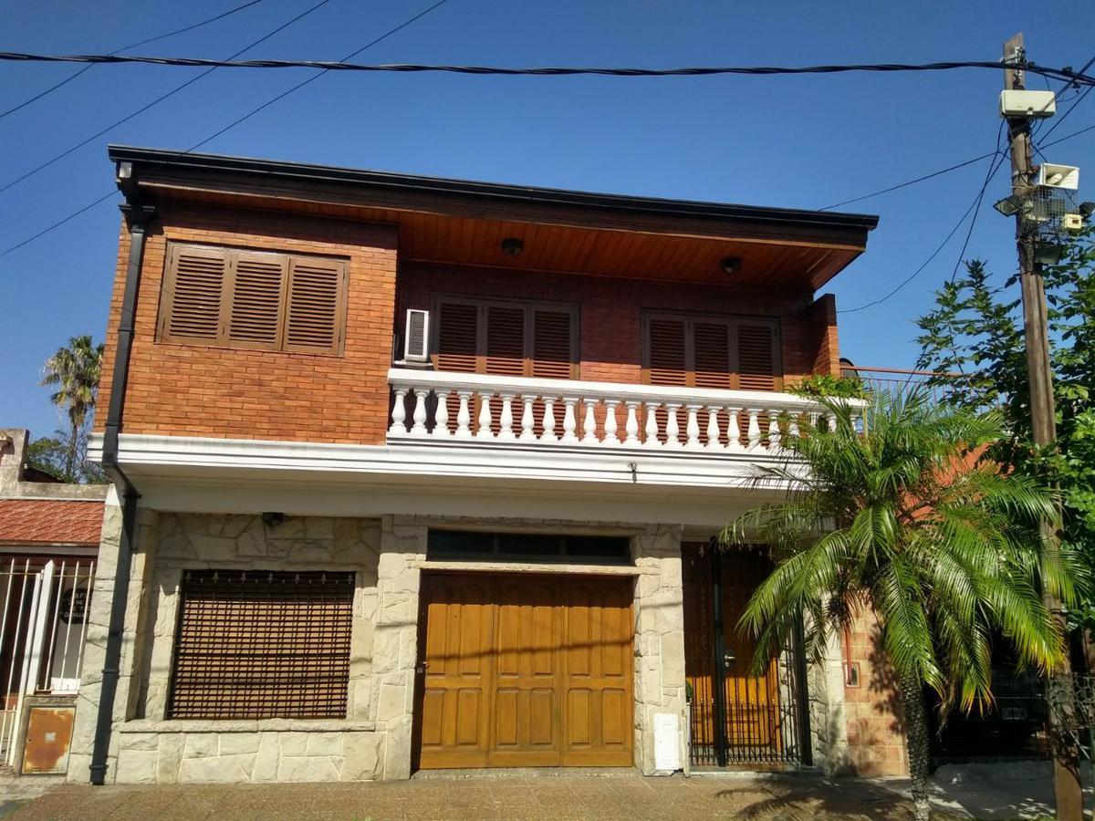Foto Casa en Venta en  Lanús Este,  Lanús  SITIO DE MONTEVIDEO al 2321