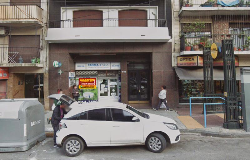 Foto Local en Alquiler en  Almagro ,  Capital Federal  Av. Rivadavia  al 3400