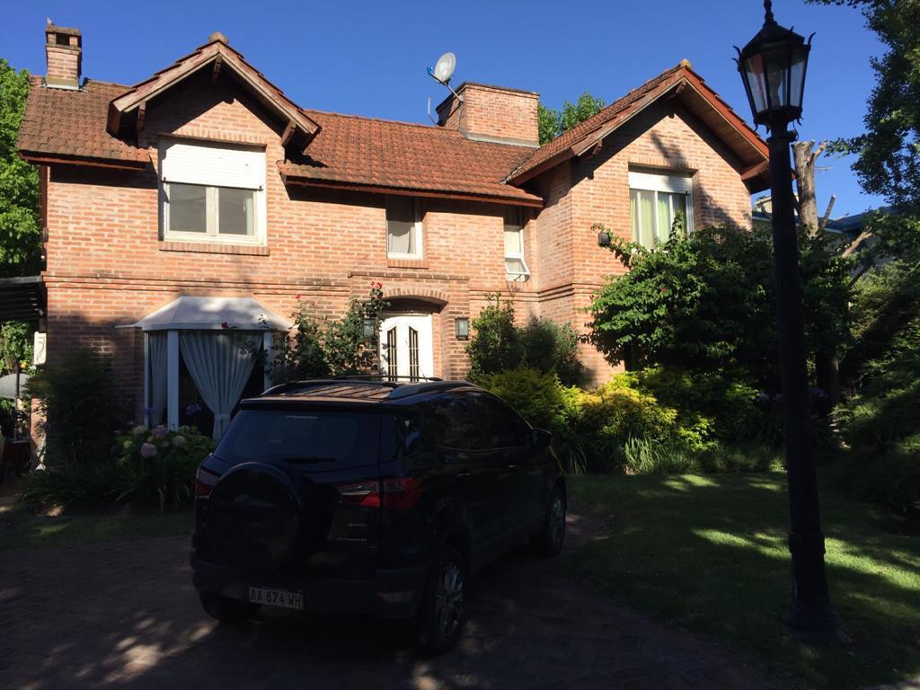 Foto Casa en Venta en  La Arboleda,  Don Torcuato  Don Torcuato, Country La Arboleda - 4 amb - Piscina  -  Quincho - Parrilla - Suite - Terraza - Depend. de Servicio
