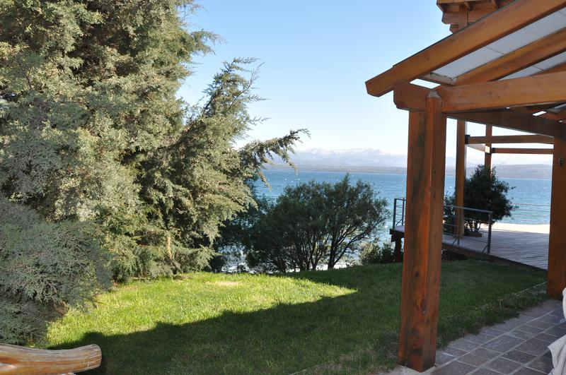Foto Casa en Venta |  en  Villaverde,  San Carlos De Bariloche  Gran Casa con Costa de Lago