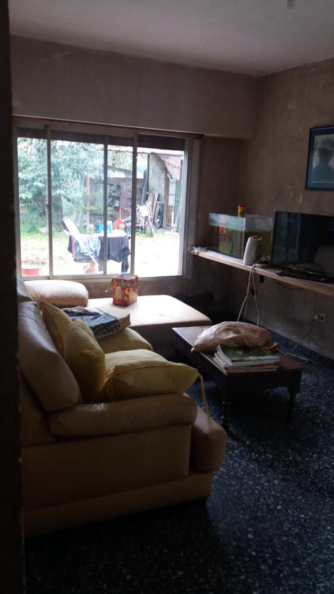 Foto Casa en Venta en  Coronel Brandsen,  Coronel Brandsen  Calle 8 e/ 117 y 118