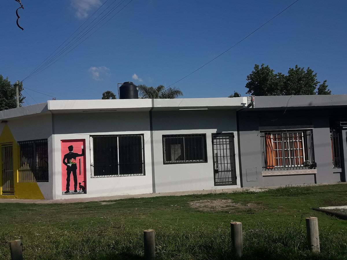 Foto Departamento en Venta en  Ituzaingó ,  G.B.A. Zona Oeste  grecia