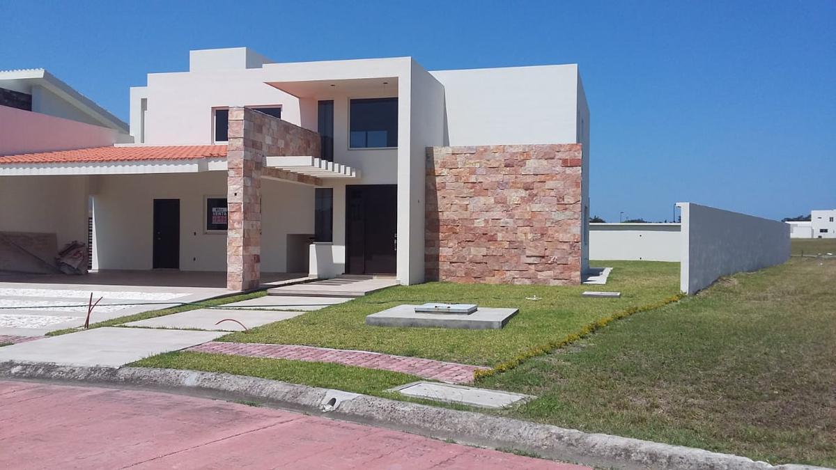 Foto Casa en Venta en  Fraccionamiento Lagunas de Miralta,  Altamira  Casa 3 Fracc. Lagunas de Miralta
