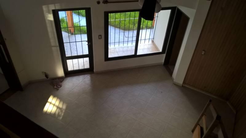 Foto Casa en Venta en  Cipolletti,  General Roca  Los Tilos al 300