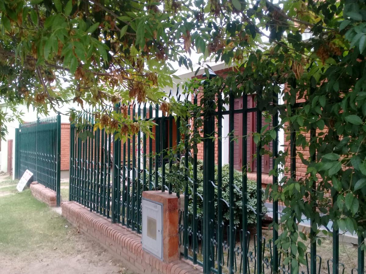 Foto Casa en Venta en  Villa Dolores,  San Javier   VENDO CASA mas DEPTO centro VILLA DOLORES Córdoba