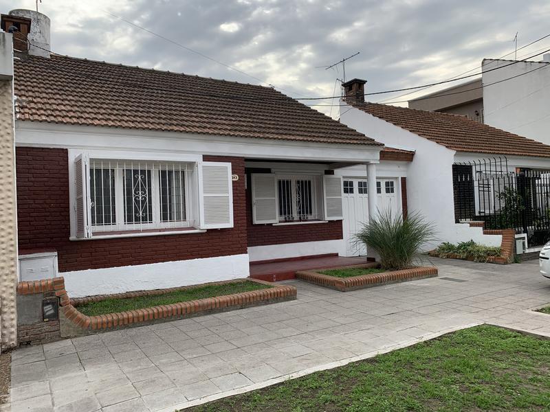Foto Casa en Venta en  Lomas de Zamora Oeste,  Lomas De Zamora  PASO 343