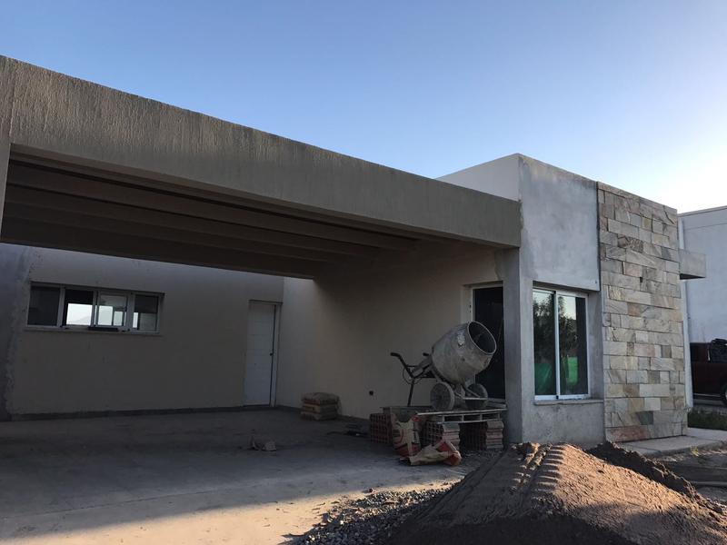 Foto Casa en Venta en  Rivadavia ,  San Juan  Bº Privado Ayres del Libertador