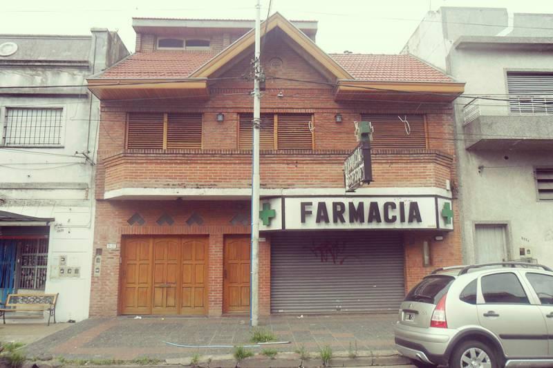 Foto Casa en Venta en  Wilde,  Avellaneda  Crisologo Larralde al 5924 entre Coronel José Rondeau y Paysandú