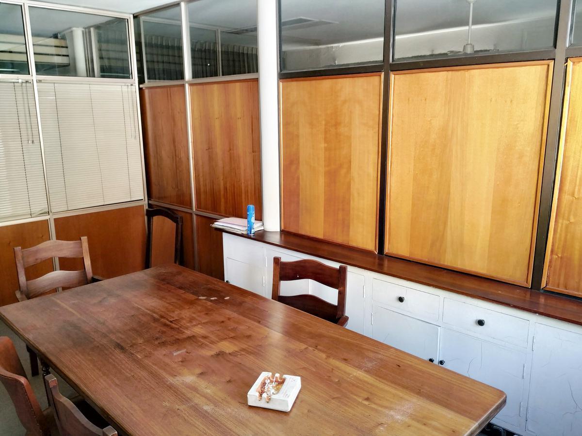 Foto Oficina en Alquiler en  Centro,  Cordoba Capital  Alquilo Amplia Oficina mas una cochera!! A tan solo 1 cuadra de Plaza San Martin!!